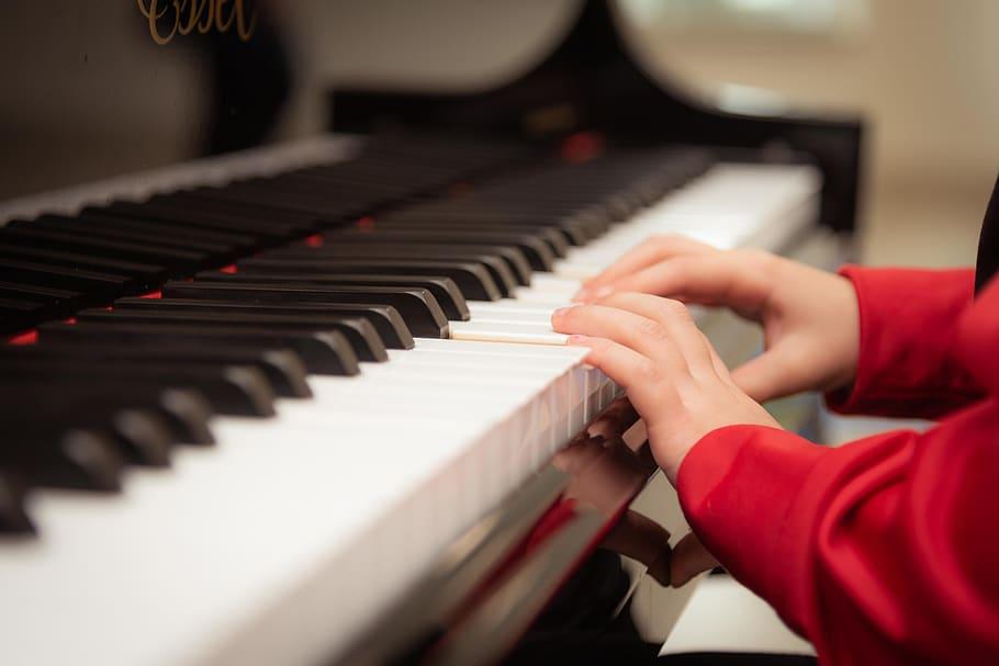 Miksi sinun pitäisi palkata pianomusiikkia?